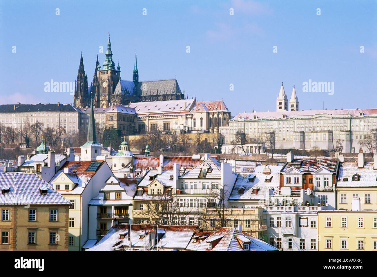 Prague Castle and houses of Mala Strana suburb in winter ...
