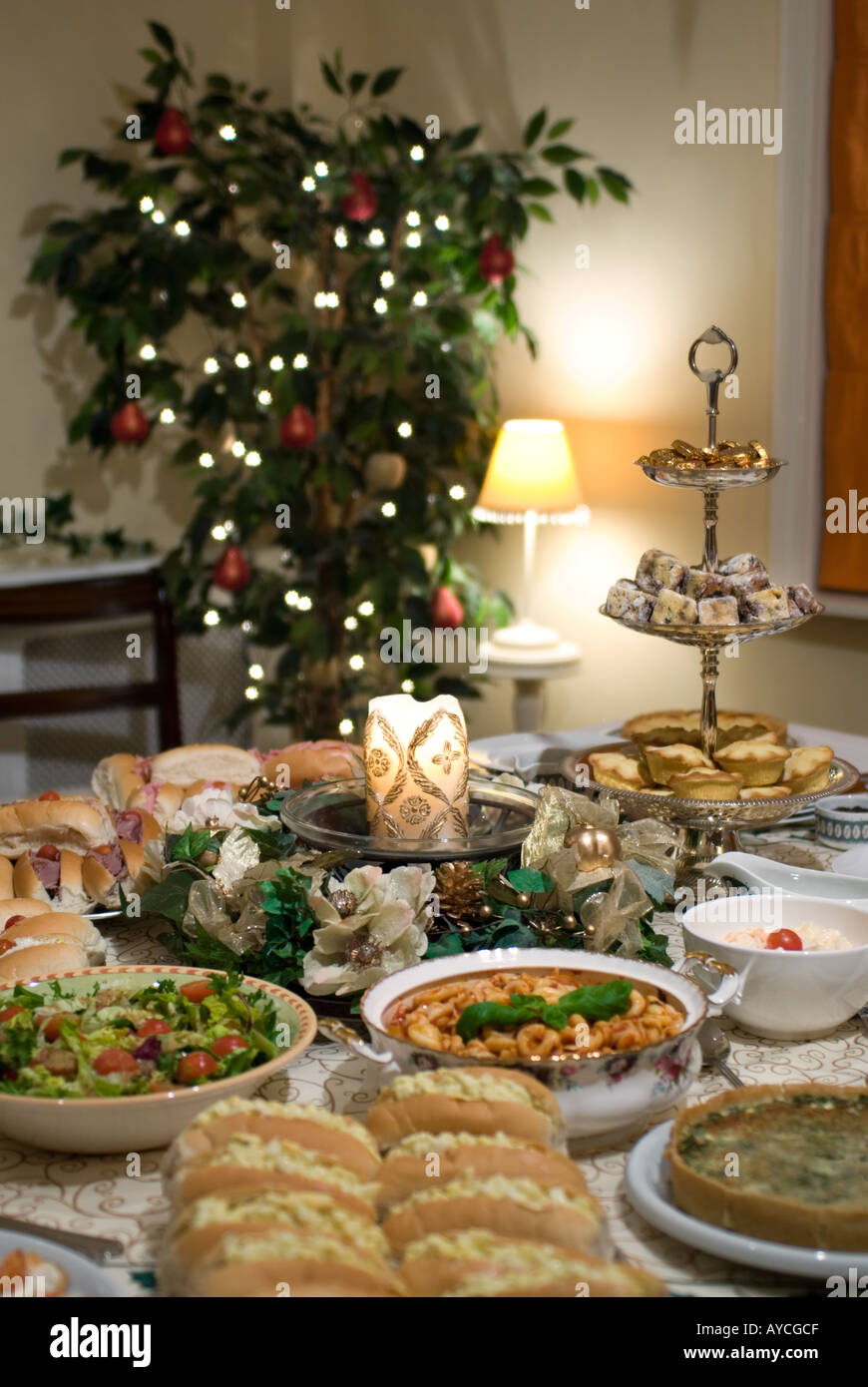 Christmas Party Table Part - 39: Christmas Party Table Set With Candle And Luxury Food
