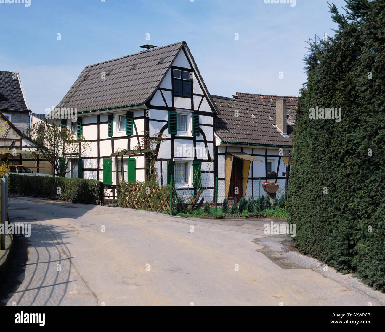 kleines fachwerkhaus dorfidylle in witzhelden wersbach leichlingen stock photo royalty free. Black Bedroom Furniture Sets. Home Design Ideas