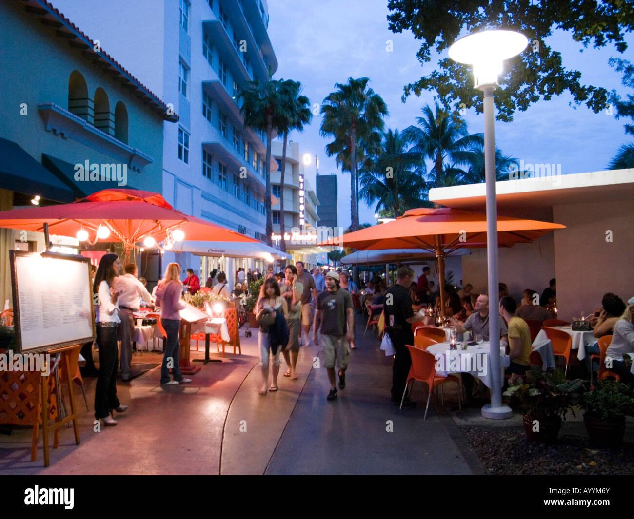 Restaurants On Lincoln Road Mall Miami Usa Stock Photo