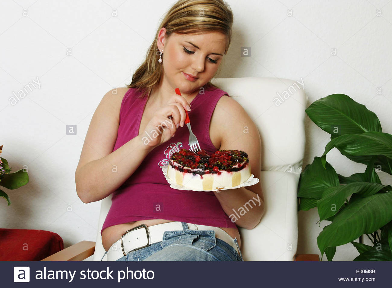 fat girls that are eating