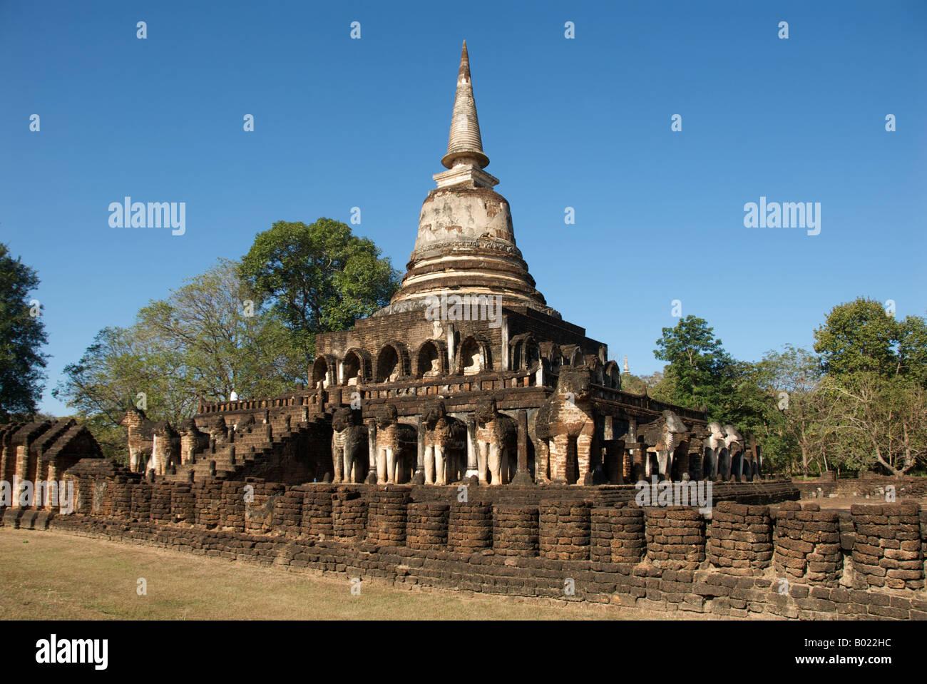 Wat Chang Lom Si Satchanalai Historical Park Sukhothai ...