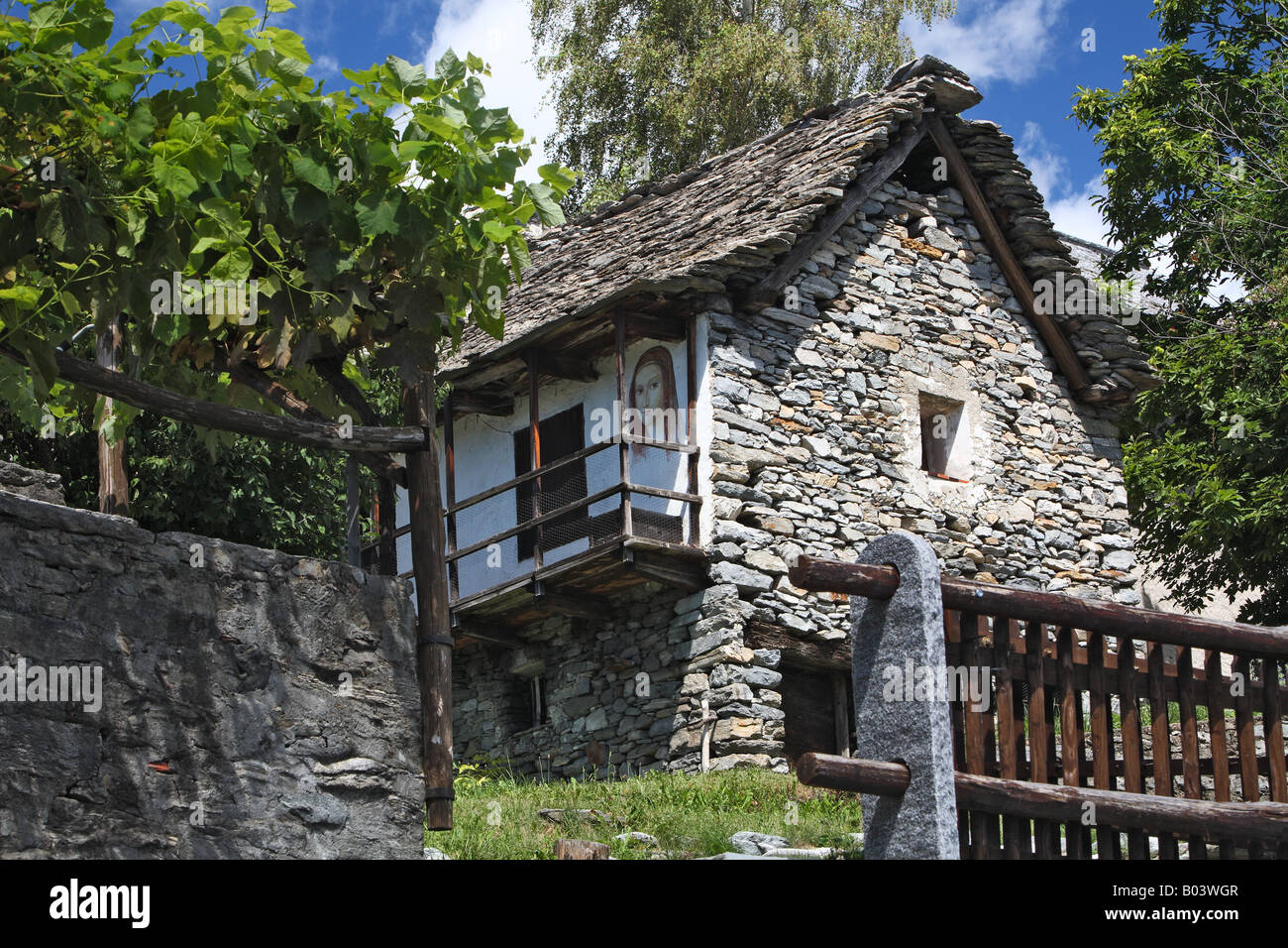 stone house rustico monte di motti lake maggiore ...