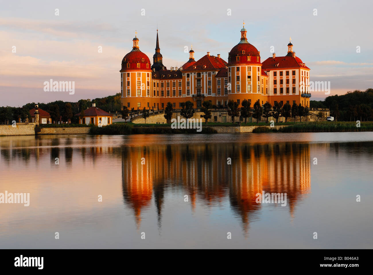 schloss moritzburg nahe dresden sachsen brd oktober 2006 stock photo royalty free image. Black Bedroom Furniture Sets. Home Design Ideas