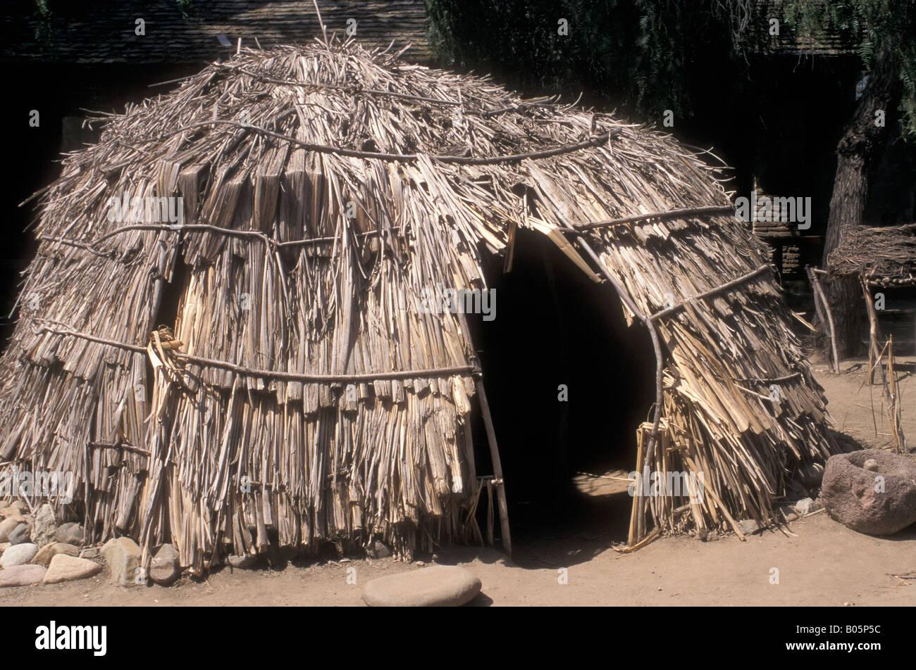 Reconstructed Juaneno kicha a Native American shelter in ...