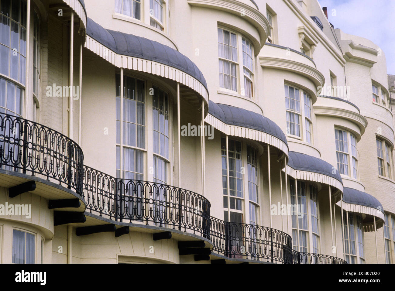 Regency square brighton sussex bow fronted houses and for English balcony