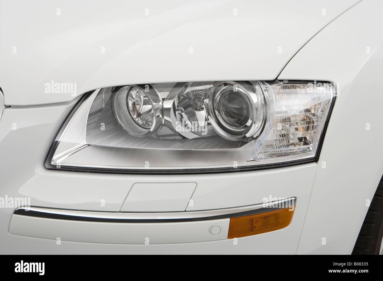 Audi a8 l 6 0 w12 quattro 2004 picture 3 of 5 rear angle image - 2008 Audi A8 4 2 Quattro In White Headlight Stock Image