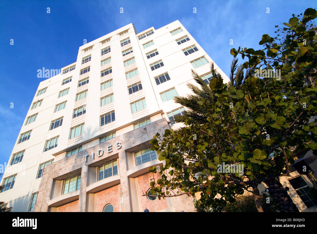 Art deco style architecture - Art Deco Style Architecture Miami Florida Usa