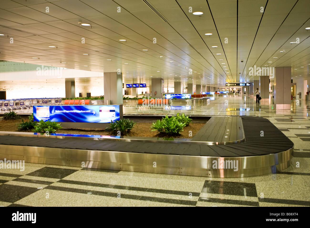 luggage carousel baggage claim area singapore changi