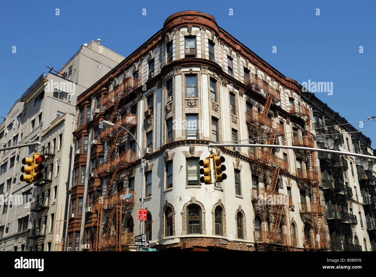 Old art deco style building in new york city stock photo for Deco new york