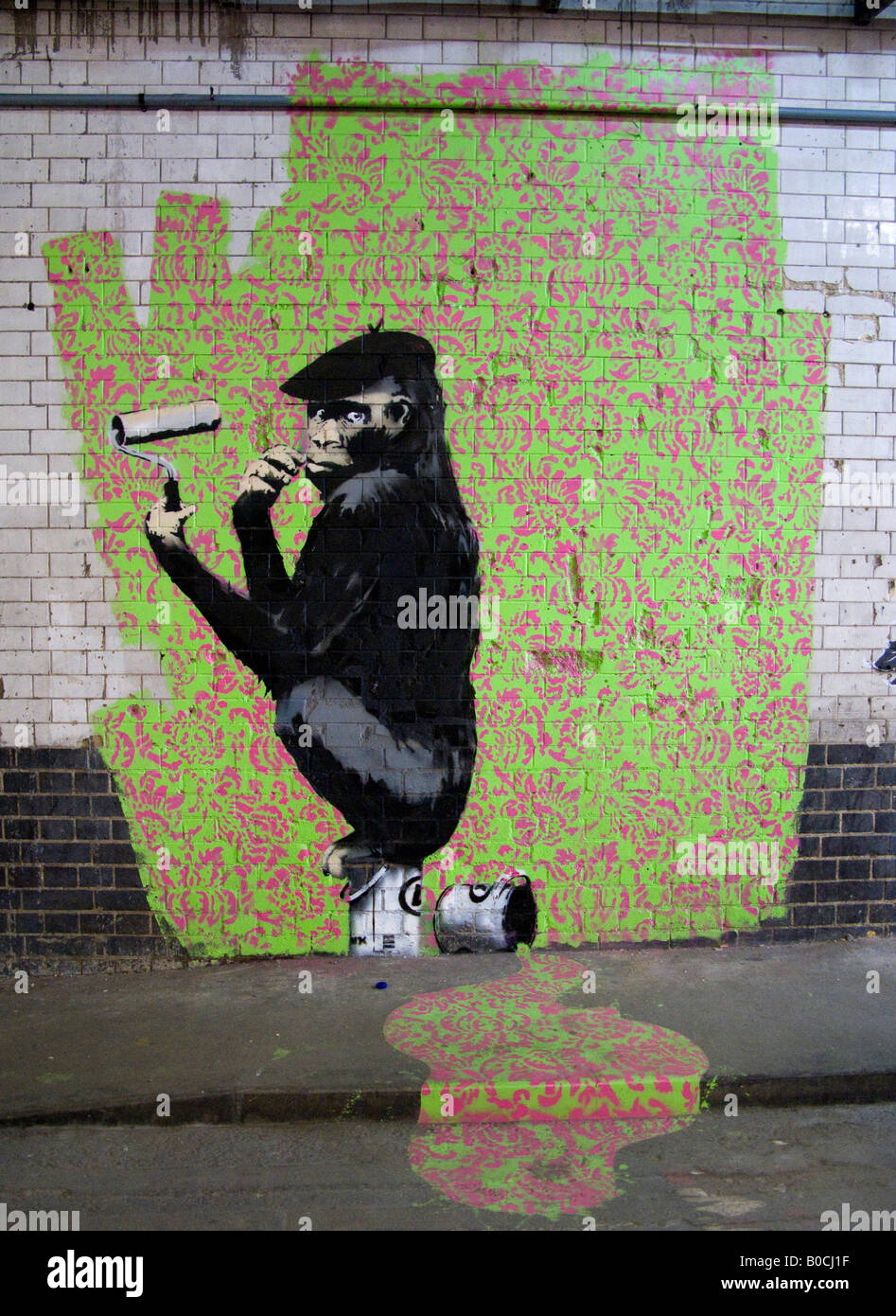 monkey ape paints wallpaper graffiti with paint roller image monkey ape paints wallpaper graffiti with paint roller image from the cans festival london that