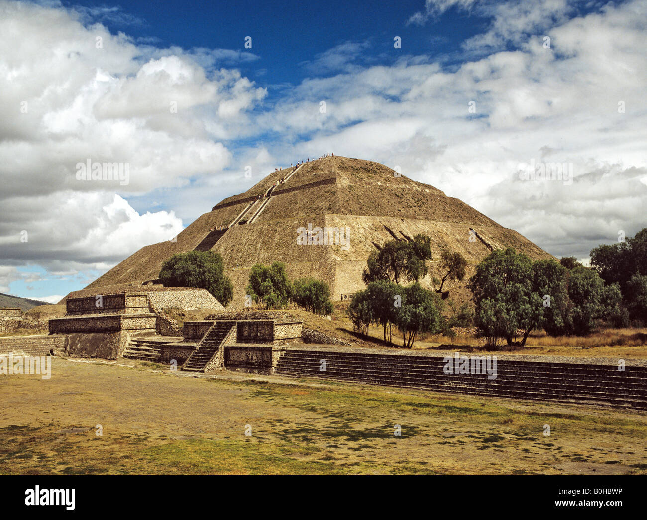 Pyramid of the Sun in Teotihuacan, Aztec civilization near ...