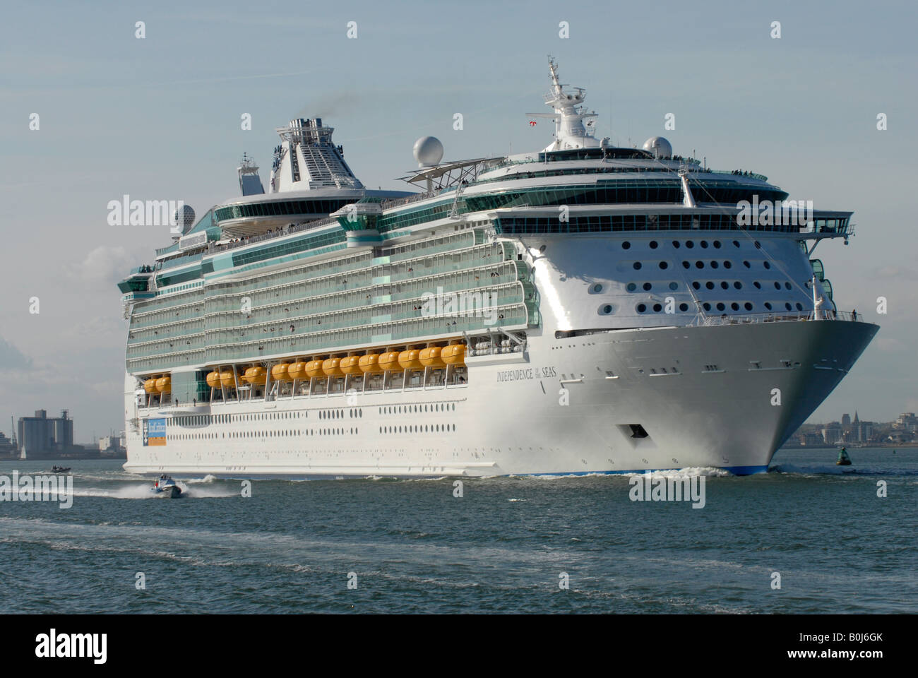 Royal Caribbean Cruise Lines Ship Independence Of The Seas - Cruise ship independence