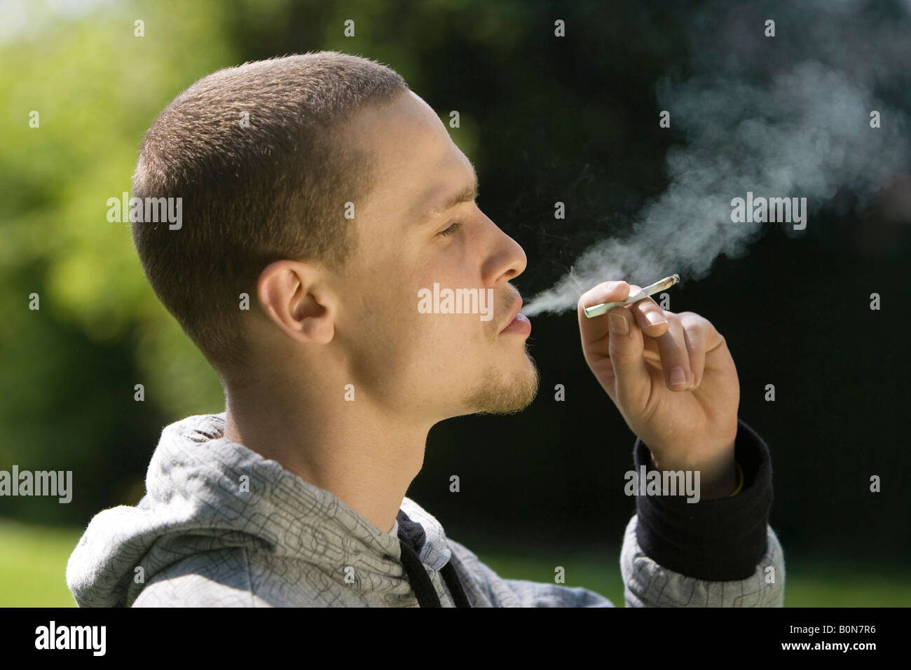how to make a cigarette look like a joint