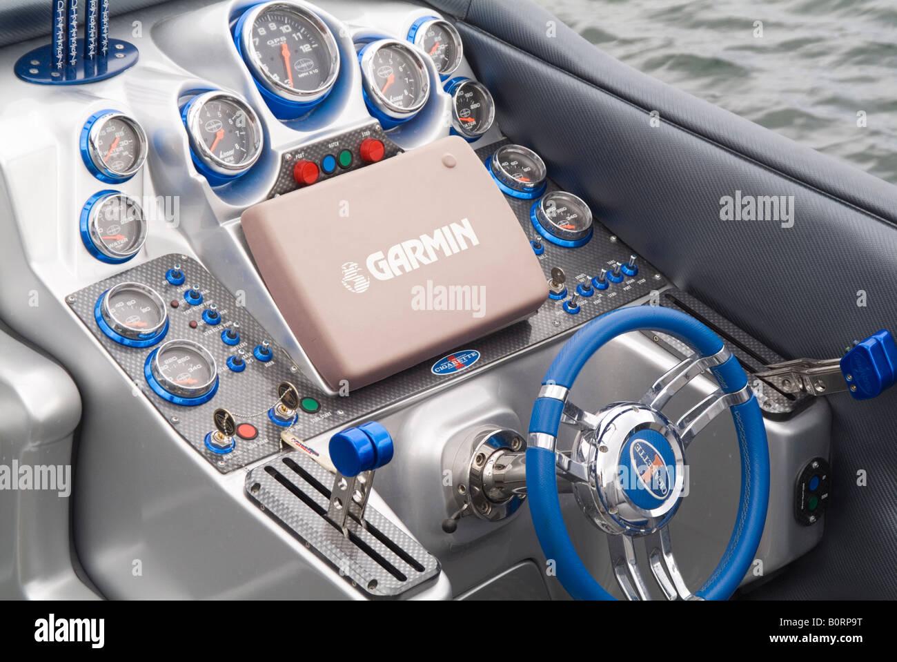 Speedboat Cockpit Wheel Gauges Garmin Gps Sat Nav