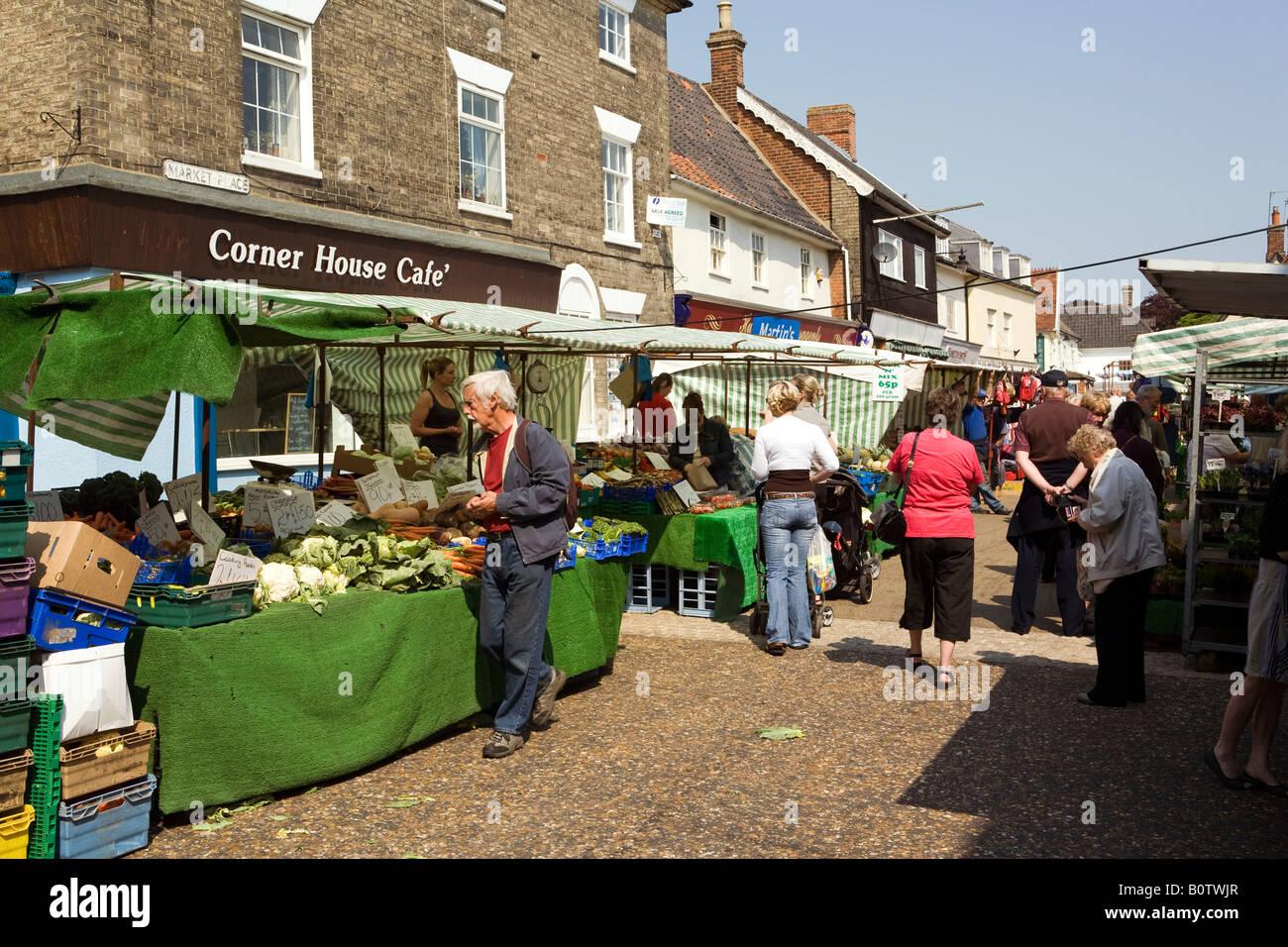 uk england suffolk saxmundham weekly market vegetable. Black Bedroom Furniture Sets. Home Design Ideas
