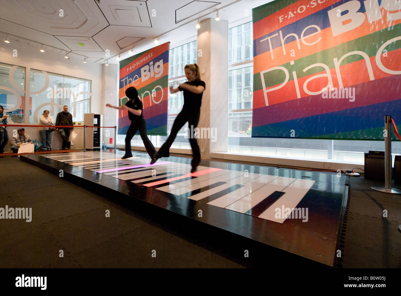 Fao schwarz new york fifth avenue toy store the big piano being fao schwarz new york fifth avenue toy store the big piano being played by staff who dance on the keys to perform tunes sciox Image collections