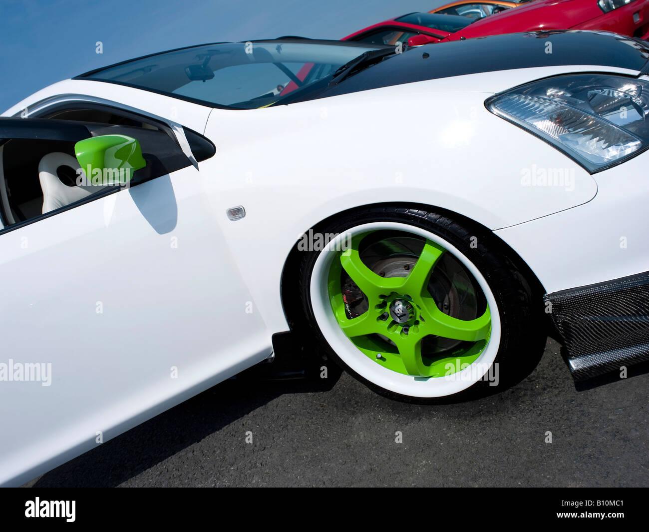White Honda Civic Type R Green Wheel Rims Slammed Rim Cars Santa Pod Car Auto Automobile Show Hood Bonnet Blue Colour Colo