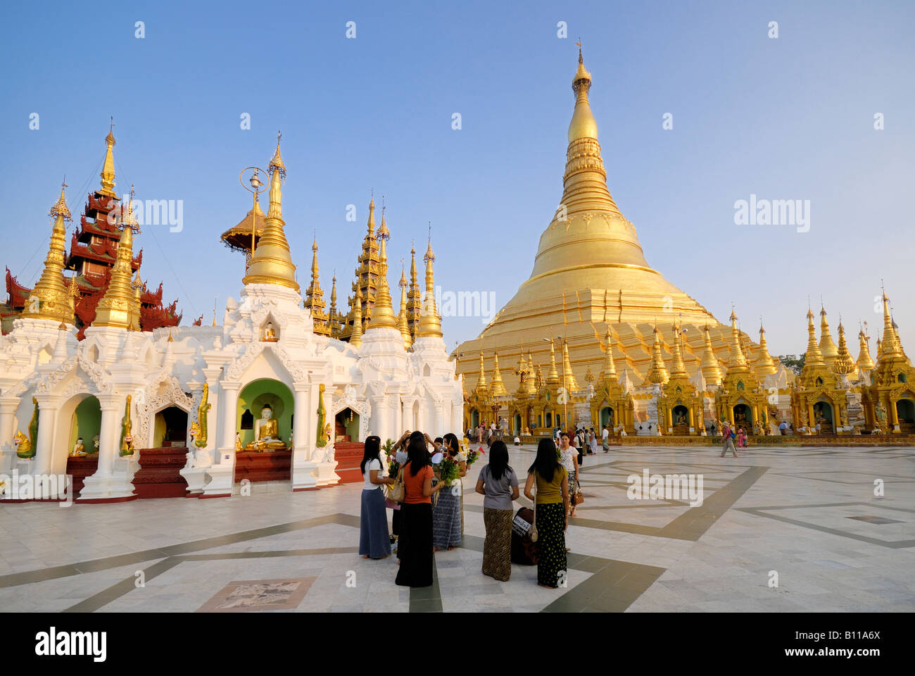 shwedagon pagoda one of the most famous buildings in