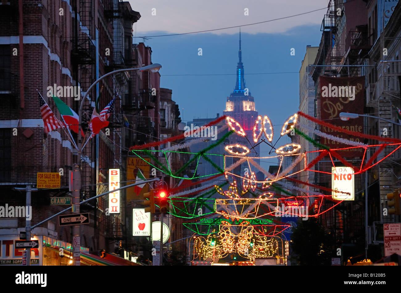 mulberry-street-in-new-york-citys-little