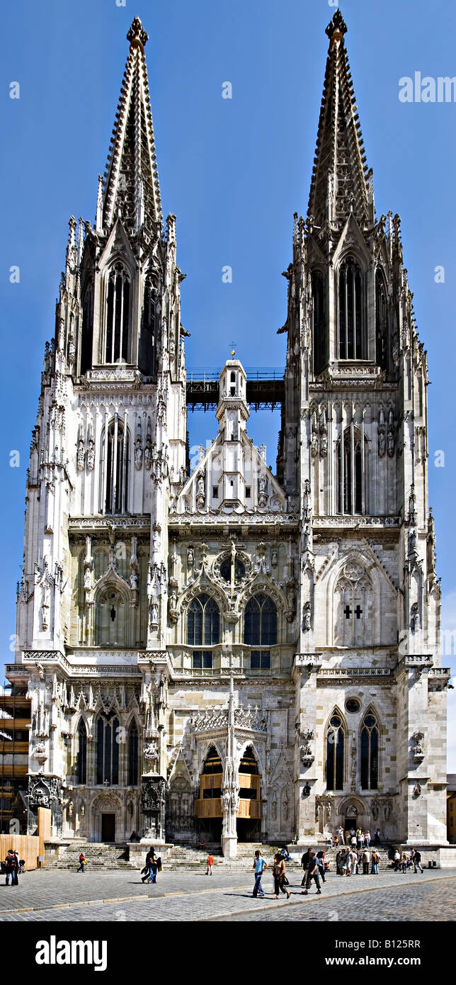 kathedrale st peter or regensburger dom regensburg cathedral germany stock photo royalty free. Black Bedroom Furniture Sets. Home Design Ideas
