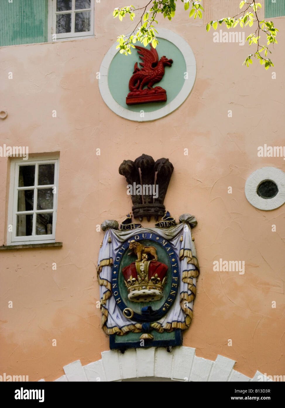 Welsh dragon and a coat of arms on gate house portmeirion welsh dragon and a coat of arms on gate house portmeirion gwynedd wales buycottarizona