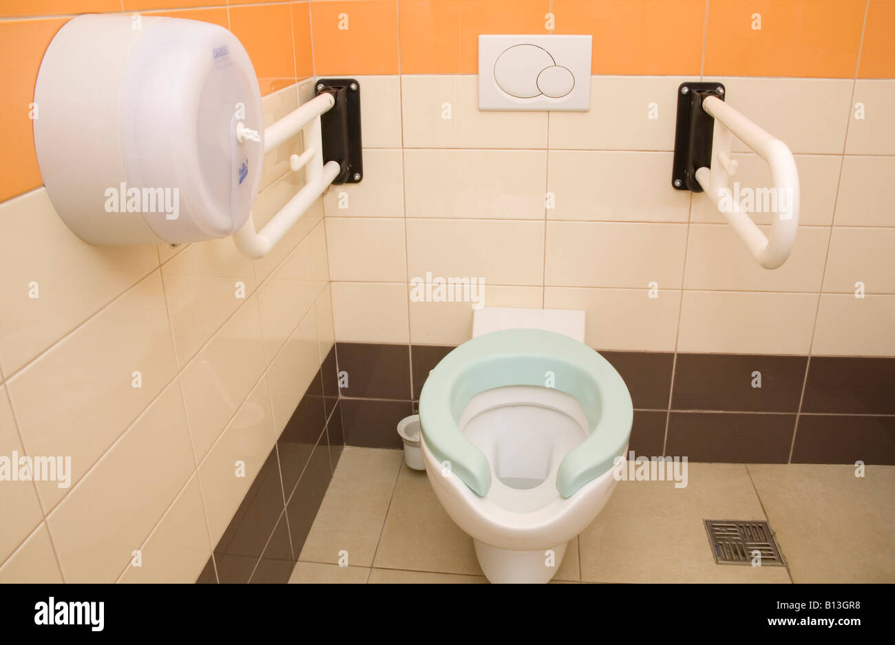 Flush Toilet Stock Photos & Flush Toilet Stock Images - Alamy