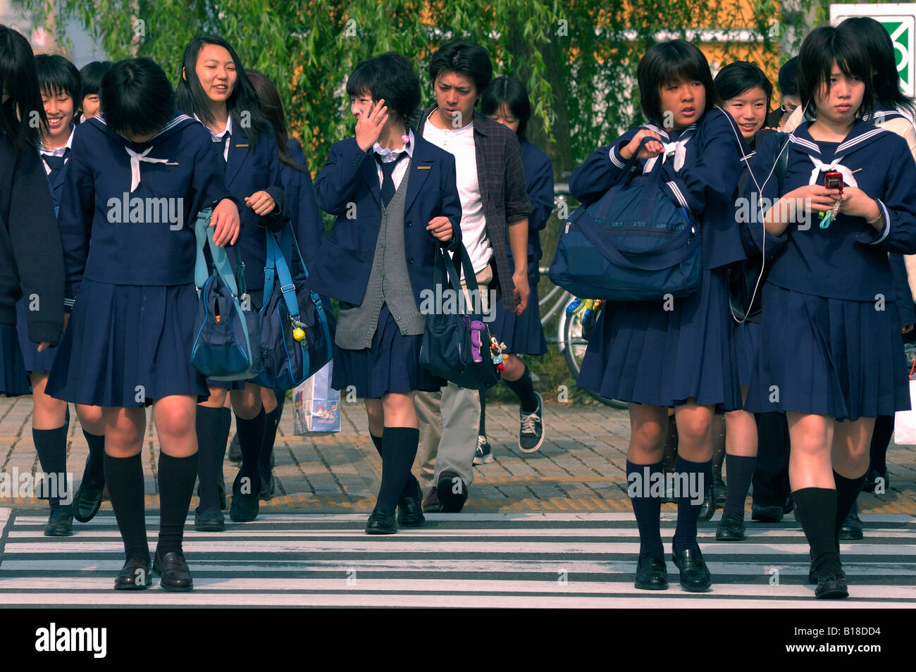 """kyoto women The three keywords of the kyoto women's university lifestyle design laboratory are """"kyoto,"""" """"design,"""" and """"craftsmanship"""" there, students undertake design."""