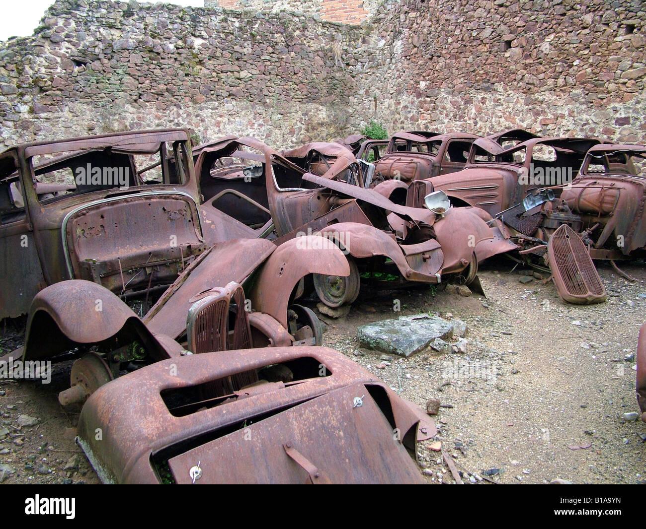 Rusty old classic cars Stock Photo: 18052377 - Alamy