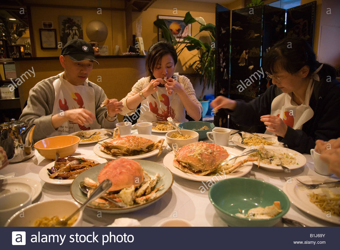 MODEL RELEASED Crab Dungeness Crab Vietnamese Cuisine San Stock - United states of america cuisine