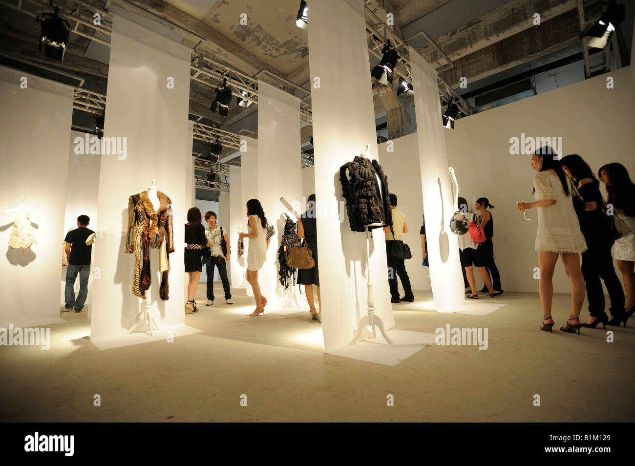 Exhibition Shell Zone : Maison martin margiela exhibition at art zone in