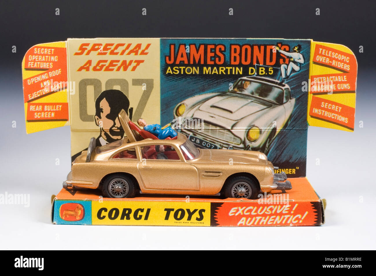 james bond aston martin db5. corgi diecast model no.261. issued