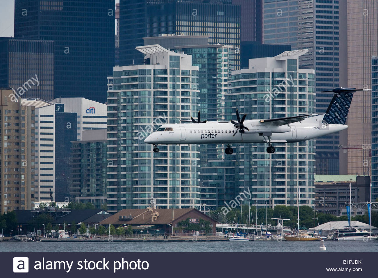 Bombardier q400 aircraft from porter airlines landing at for Porter canada
