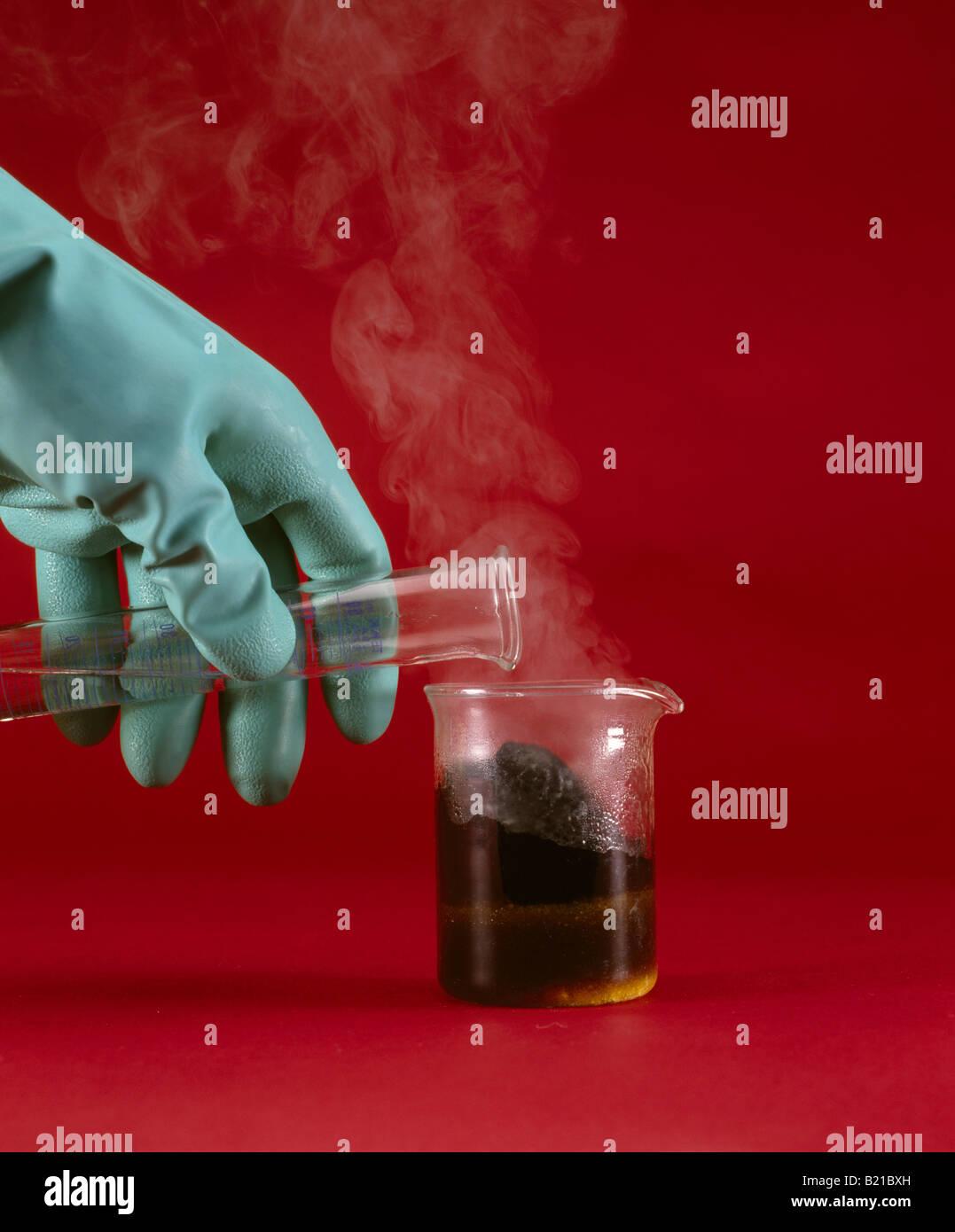 Sulfuric Acid Stock Photos & Sulfuric Acid Stock Images - Alamy
