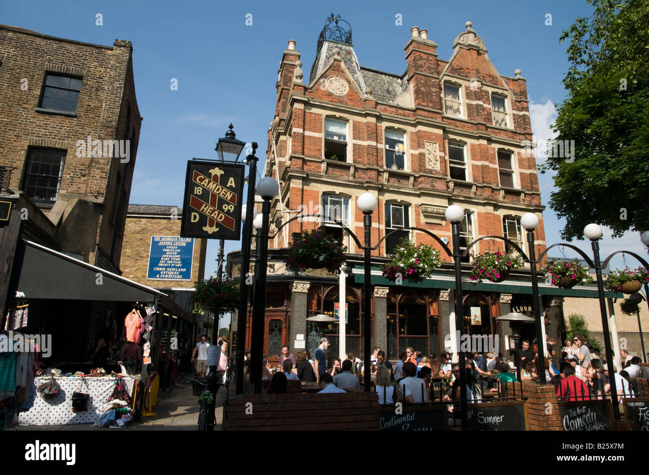 The camden head pub in camden passage islington london for The camden
