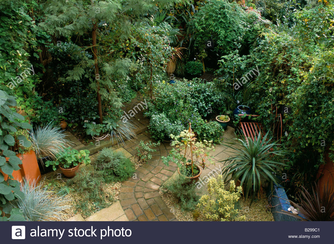Private Small Garden Design: Private Garden London Design Pamela Woods Small Town