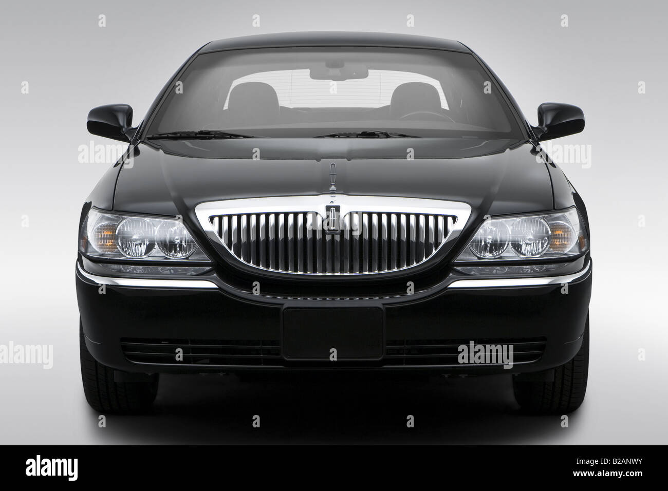 2008 lincoln town car signature limited in black low wide front