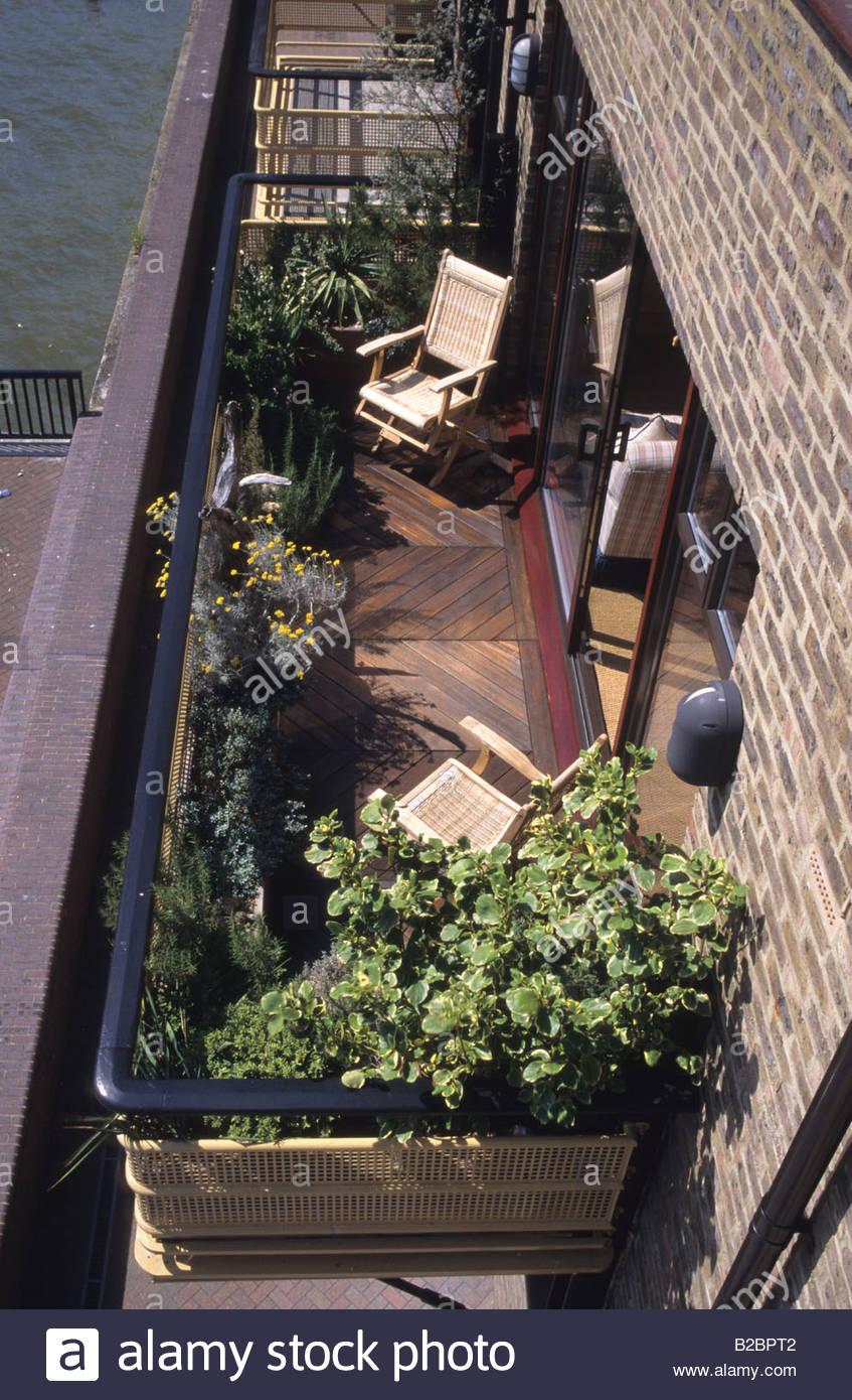 London riverside balcony garden design Stephen Crisp raised beds