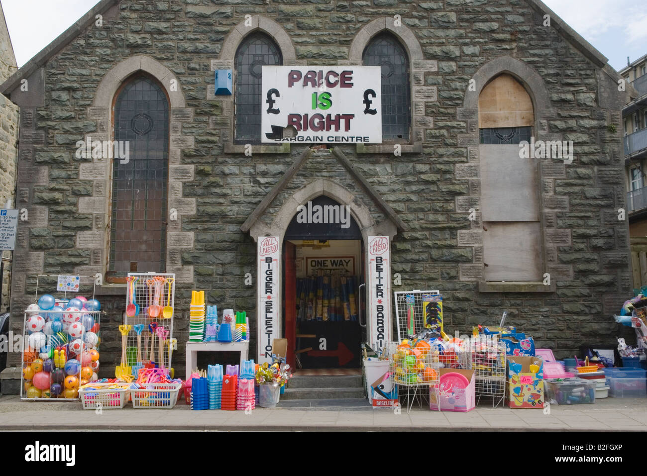 Discount Shop Barmouth UK Seaside Resort West Coast North Wales - Bargain basement stores