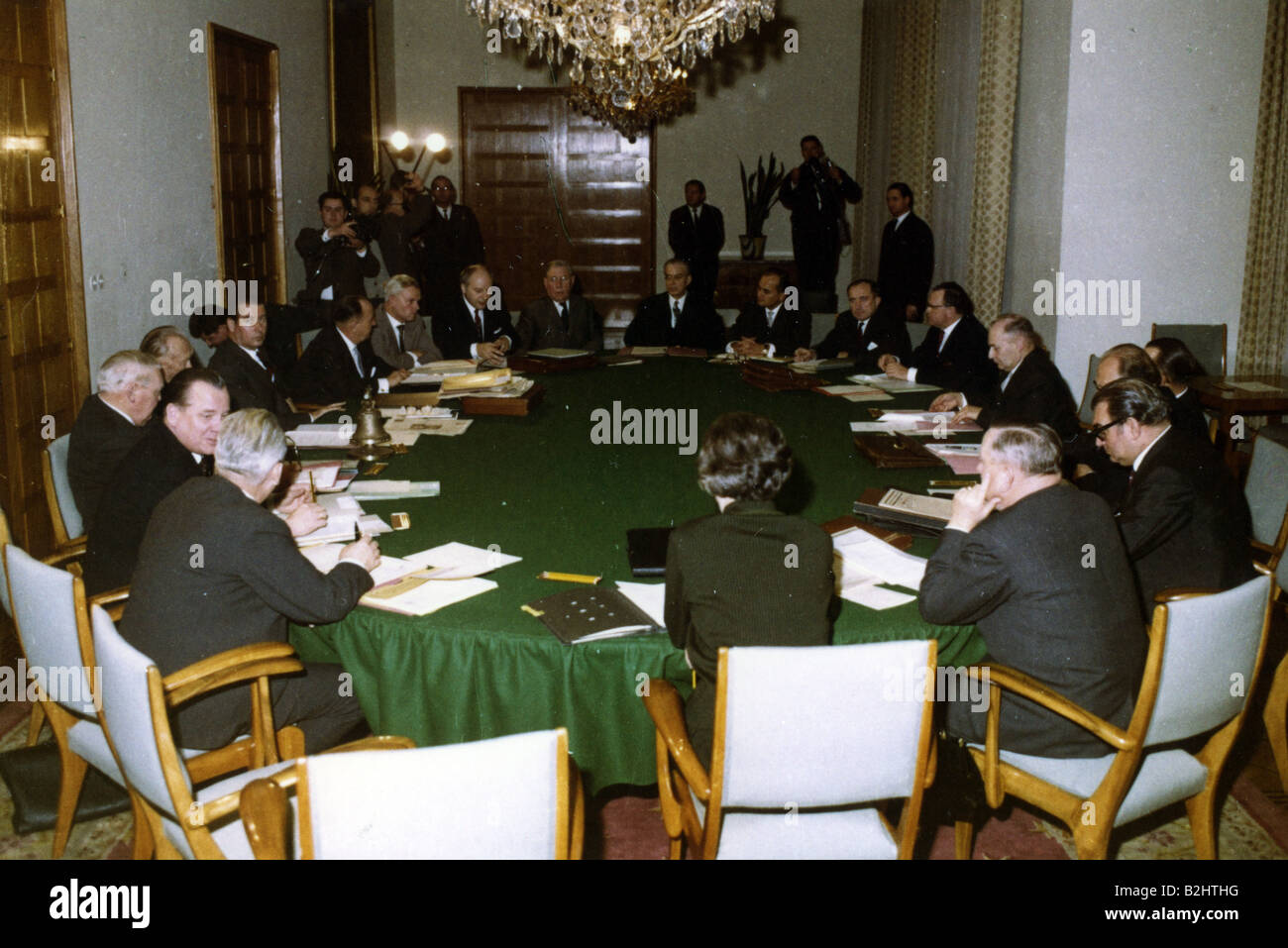 Lovely Geography/travel, Germany, Politics, Government, 5th Federal Cabinet  14.12.1962   16.10.1963, Meeting, Palais Schaumburg, Bonn 1