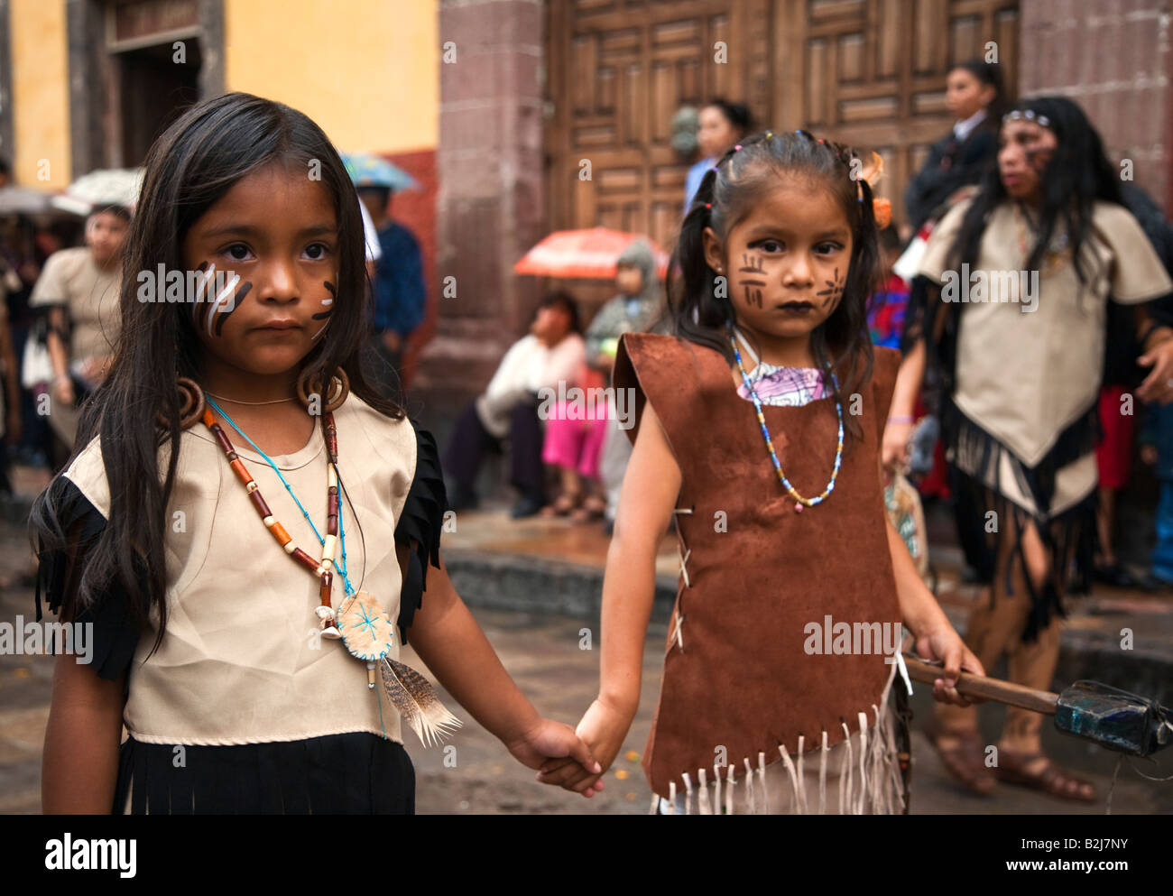 san miguel de allende girls A guide to understand what is and is not safe to eat, precautions you can take, and explanations of types of food providers you will find in san miguel de allende.