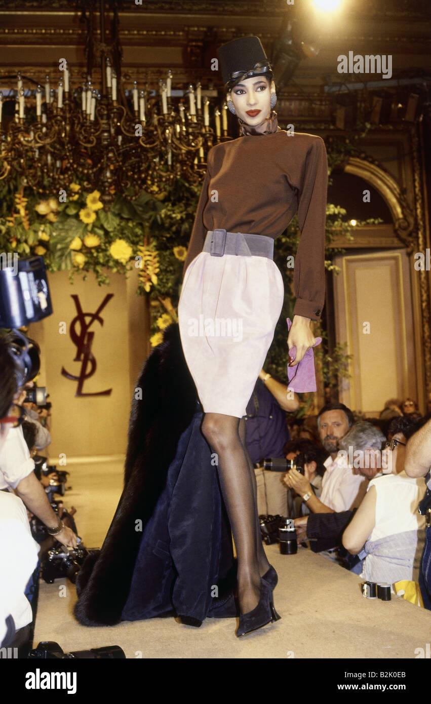 Fashion Fashion Show Haute Couture Paris Yves Saint Laurent Stock Photo 18857171 Alamy