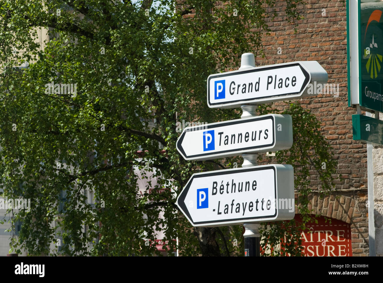 car park signs in the french town of lille france stock photo royalty free image 19030273 alamy. Black Bedroom Furniture Sets. Home Design Ideas