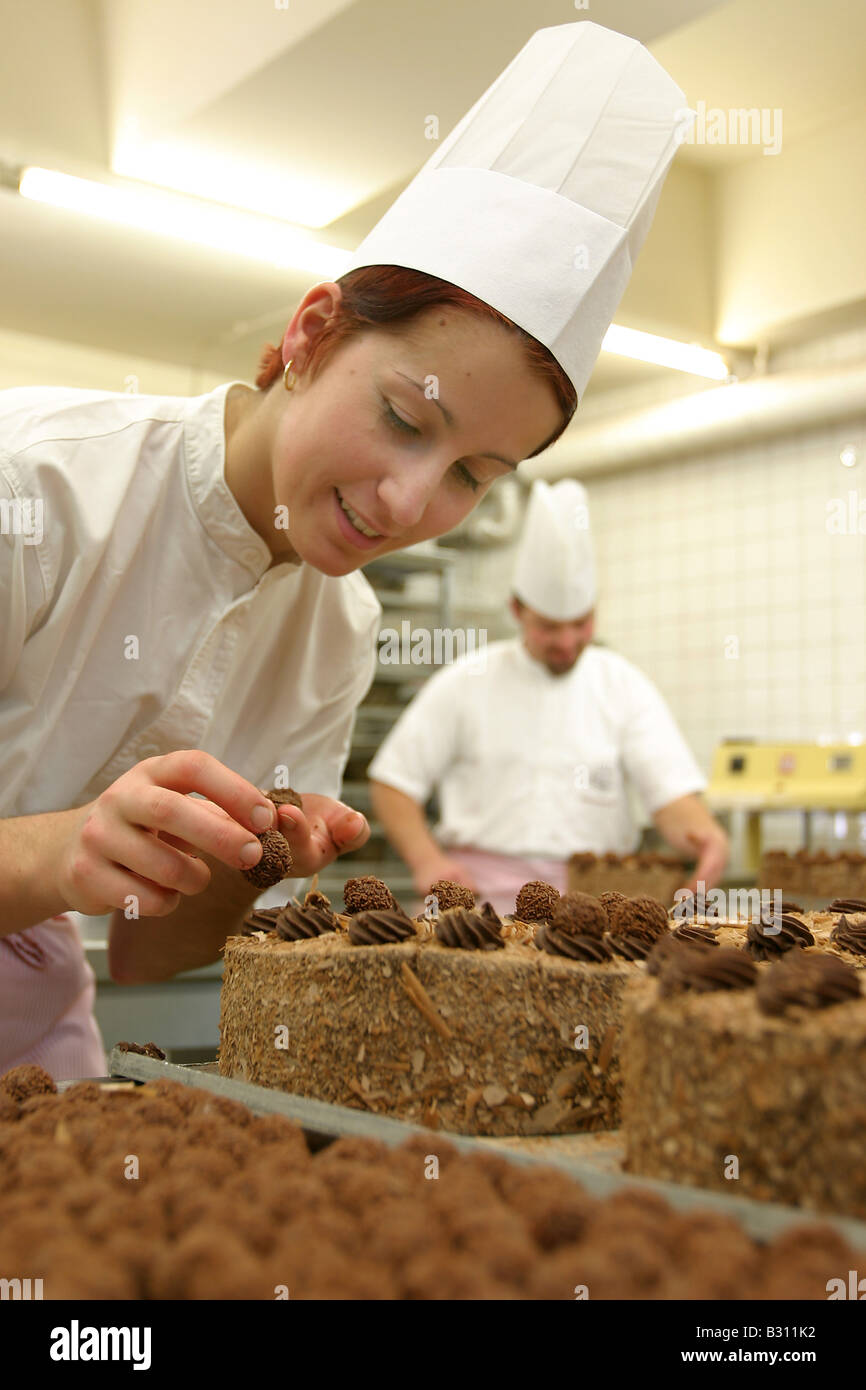 how to become a confectioner