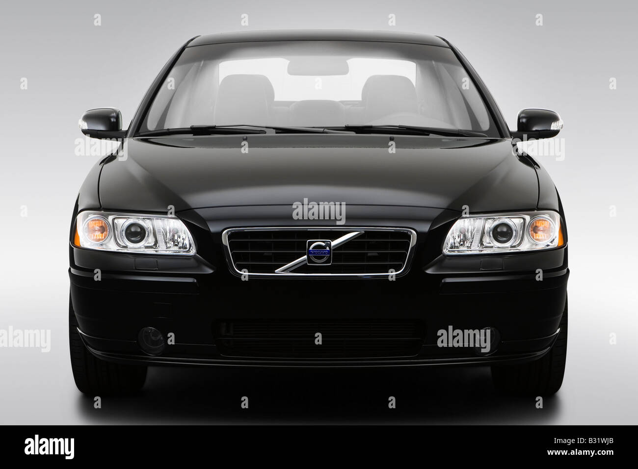 2008 volvo s60 t5 a sr in black low wide front