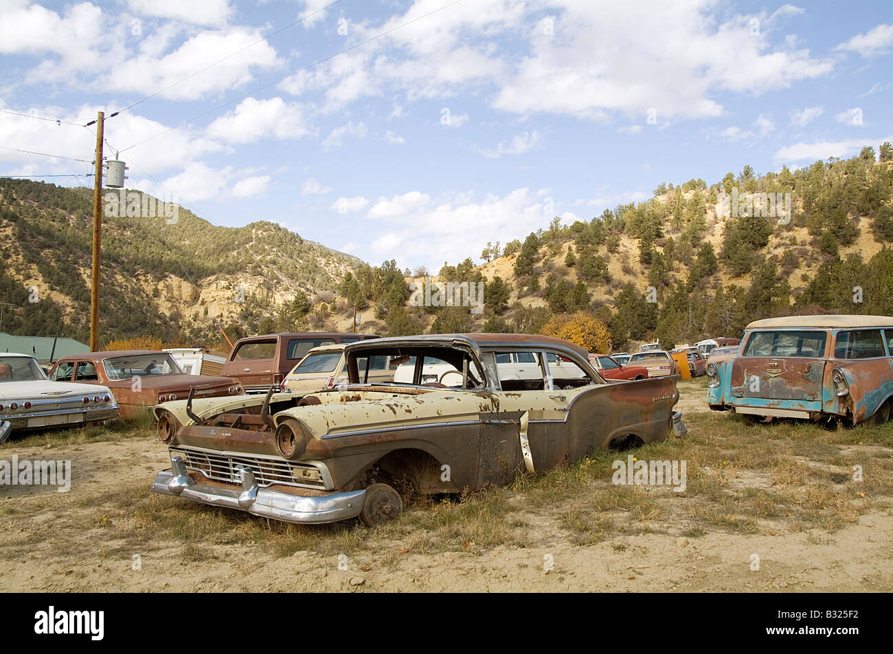 classic car junk yard scrap retro 1950\'s 1950 old Stock Photo ...