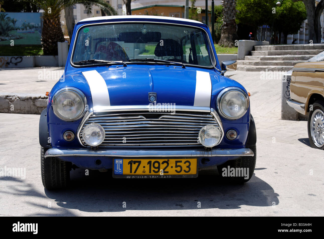 Old Classic Volkswagen T1 Van Editorial Stock Image ...  Old Blue Mini