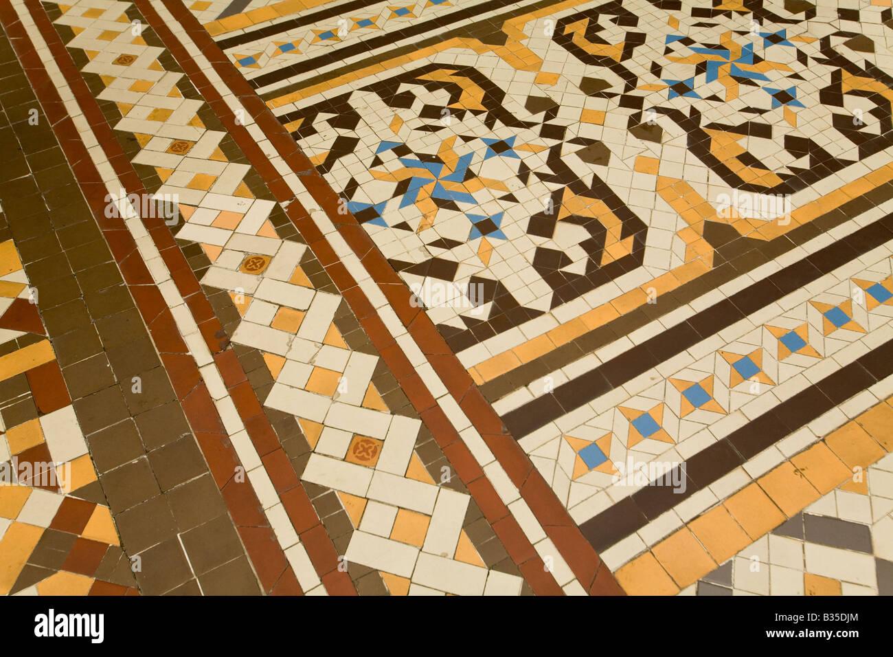 Mosaic tile for floor