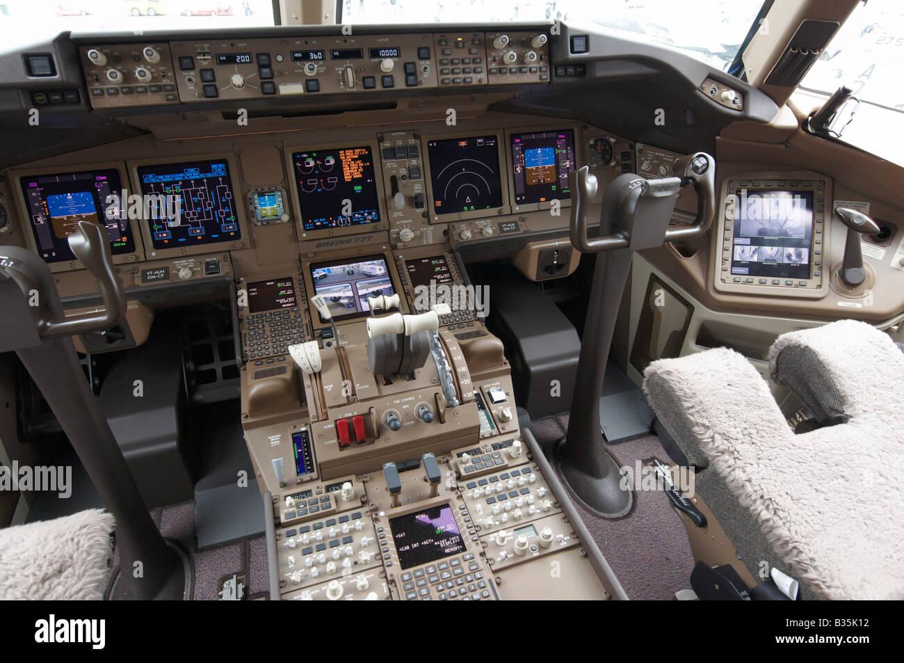 Cockpit Air India Boeing 777 300er Farnborough Air Show