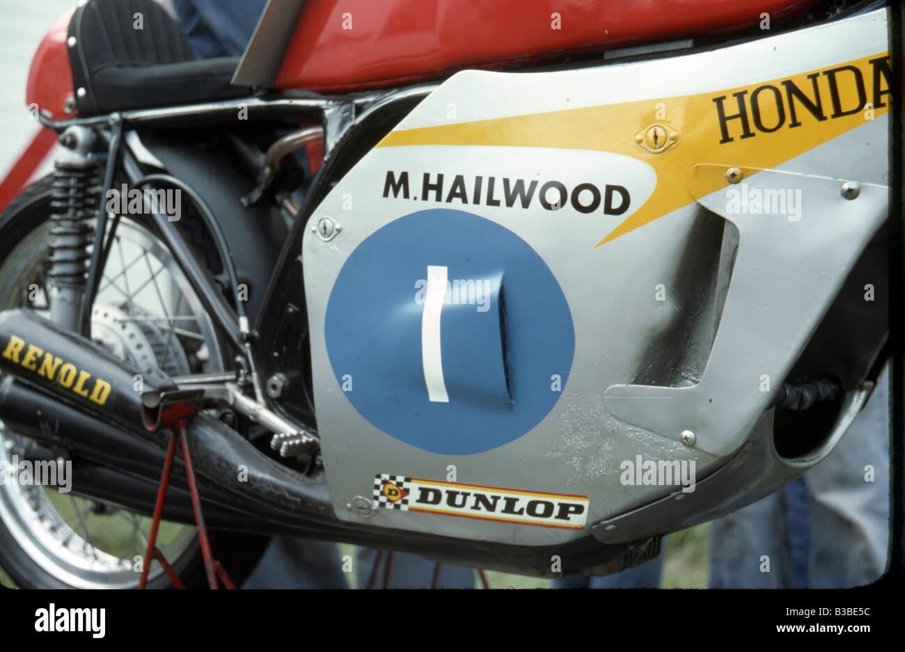 Honda rc162 rc 162 1961 250 four race motorcycle bike picture print - Close Up Of Mike Hailwood S 6 Cylinder Honda 250 Cc Racing Bike C 1967 Stock